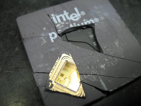http://technology.desktopnexus.com/wallpaper/911325