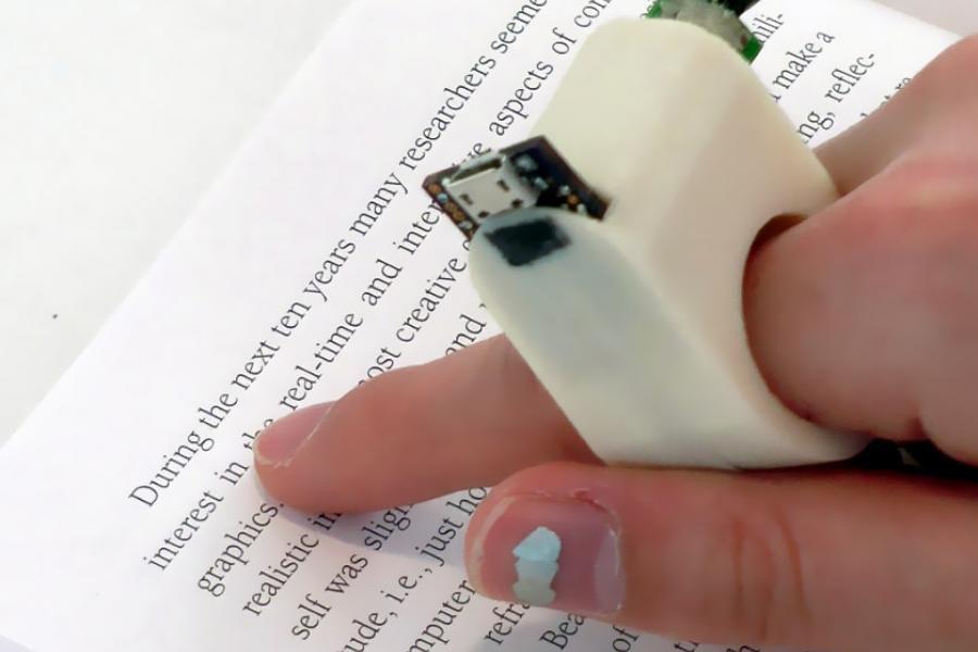 Кольцо FingerReader поможет слепым читать