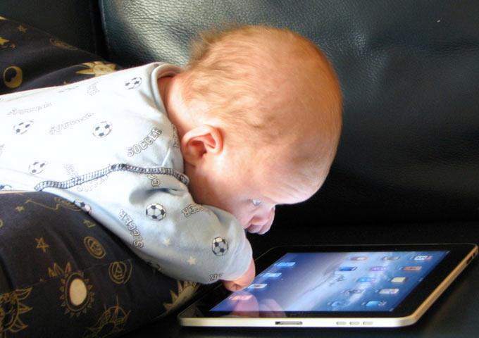 Колонка Viks VS BT10 как решение детско родительских музыкальных проблем