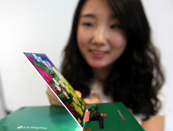 Компания LG представила самый тонкий в мире жидкокристаллический дисплей для смартфонов премиум класса