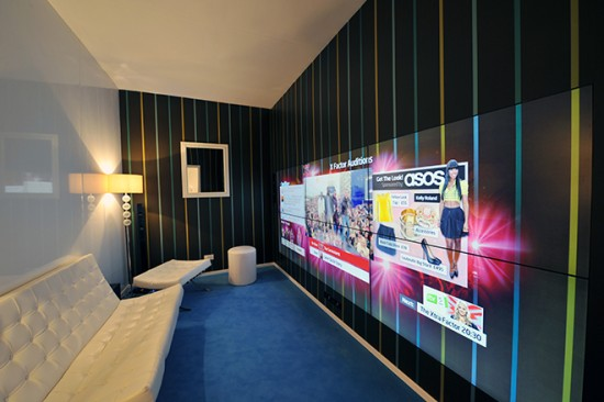 Компания NDS представила рабочий прототип прозрачного ТВ