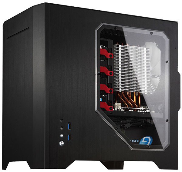 В корпусе Cooltek W1 помещается тонкий оптический привод и 3D-карты длиной до 320 мм