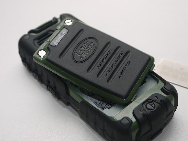 Краш тест копии телефона Sonim Land Rover S8
