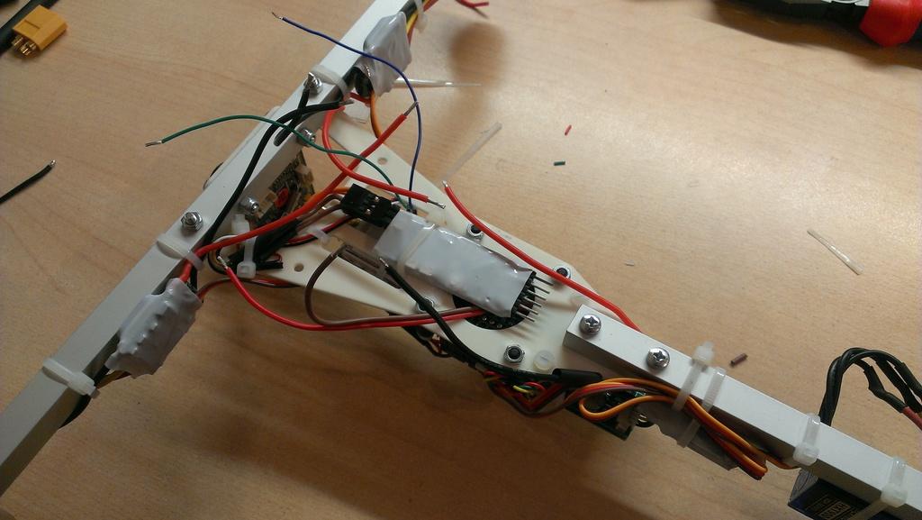 Легкий FPV трикоптер: разработка, сборка, конфигурация