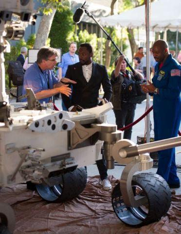 Марсоход Curiosity и рэпер Will.i.am провели первый межпланетный концерт