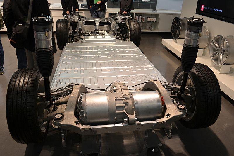 На пороге бума электромобилей: Tesla Motors вышла на прибыль