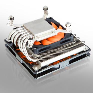 Низкопрофильный процессорный охладитель Xigmatek Janus оснащен двумя вентиляторами