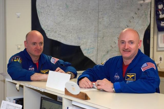Новый эксперимент от NASA: один брат близнец на орбите, второй — на Земле