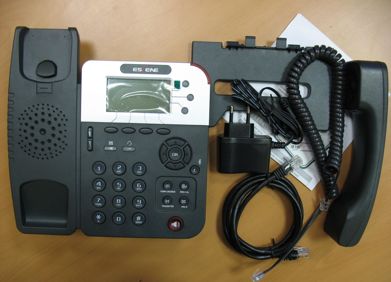 Комплект поставки телефона.