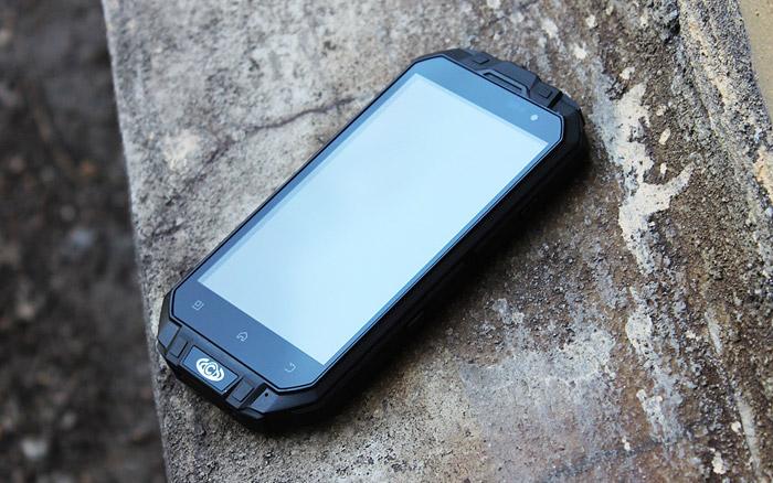 Knight XV защищенный телефон