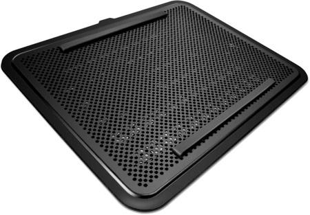 Охлаждающую подставку NZXT Cryo E40 можно подстроить под конкретный ноутбук