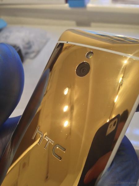 позолоченный смартфон HTC One Mini