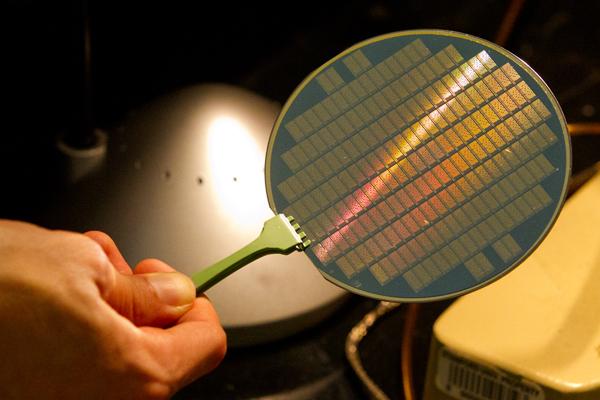 Первый процессор из углеродных нанотрубок