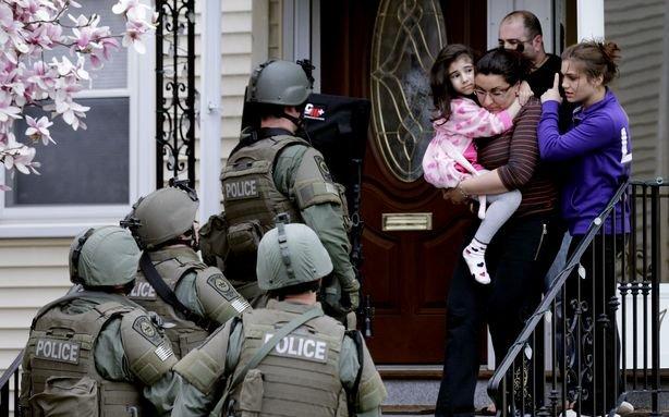 Поищите в Google скороварку и рюкзак, чтобы познакомиться со спецназом поближе