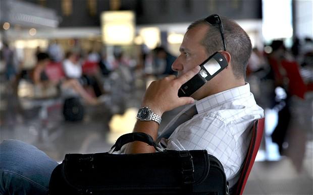 Полиция Великобритании может конфисковать телефоны и личные данные путешественников на границе без указания причины