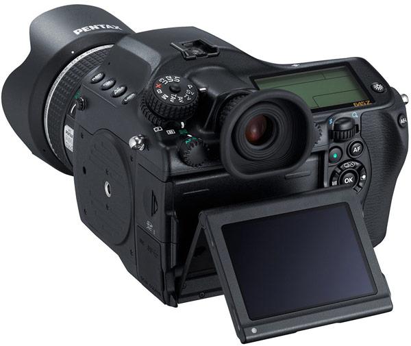 Продажи камеры среднего формата Pentax 645z должны начаться в июне по цене $8499