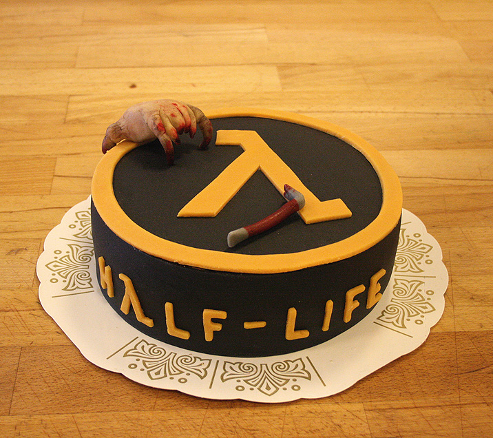 Сегодня Half Life исполнилось 15 лет