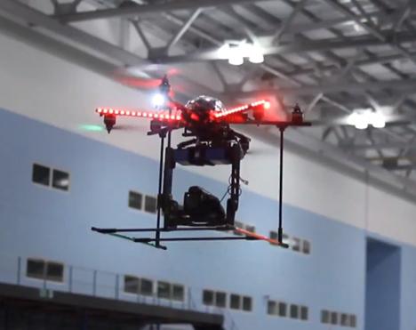 Тестирование автомобилей с пейнтболом, дронами и лунапарком, тьфу, большим ангаром