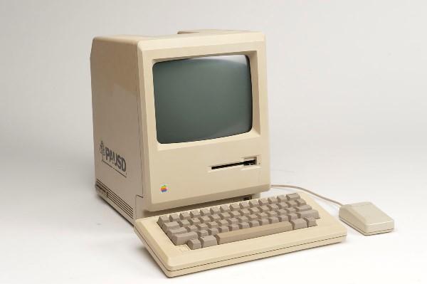 Первый Mac: Macintosh 128K