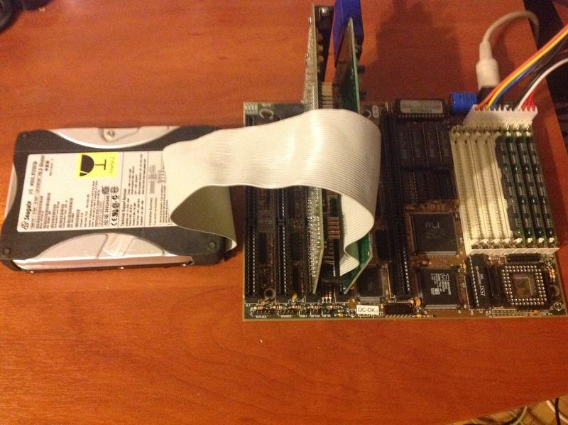 Трясем стариной: перехват потока данных между i386 и контроллером ATA средствами STM32