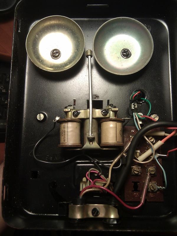 Тёплый ламповый телефон
