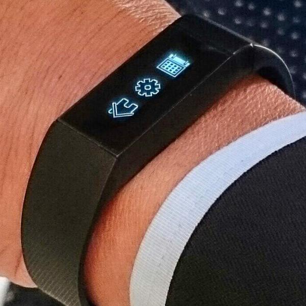 Умные часы Acer Liquid Leap намного меньше модели Samsung Gear 2 Neo и, возможно, будут бесплатными