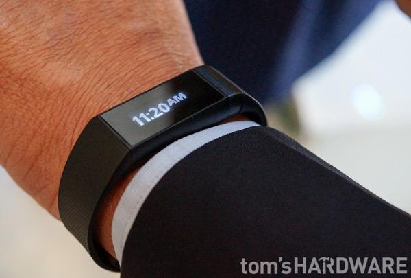 компания Acer представила свое первое электронное устройство, носимое на запястье: умные часы или браслет Liquid Leap