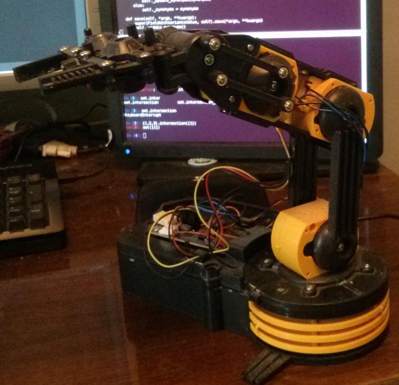 Управление роборукой при помощи leap motion
