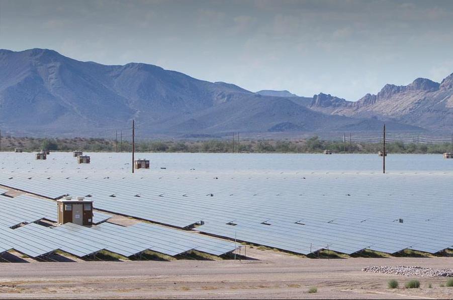 В Аризоне заработала в полную силу самая большая в мире фотоэлектрическая станция