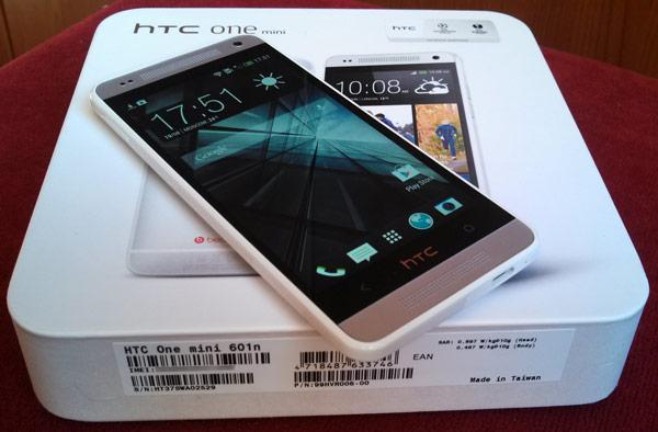 Основой смартфона HTC One mini служит однокристальная система Qualcomm Snapdragon S4
