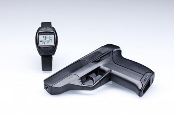 В США запустили продажу «умных» пистолетов, работающих только в комплекте с «умными» часами