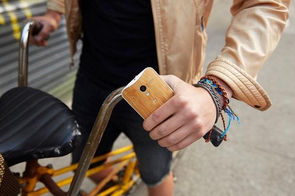 В веб-сервисе Moto Maker для смартфона Moto X стала доступна задняя крышка из бамбука