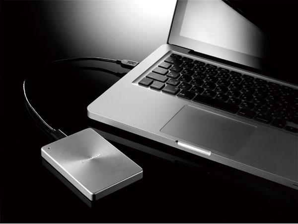 Внешние накопители I-O Data HDPX-UTA предложены в двух вариантах цветового оформления