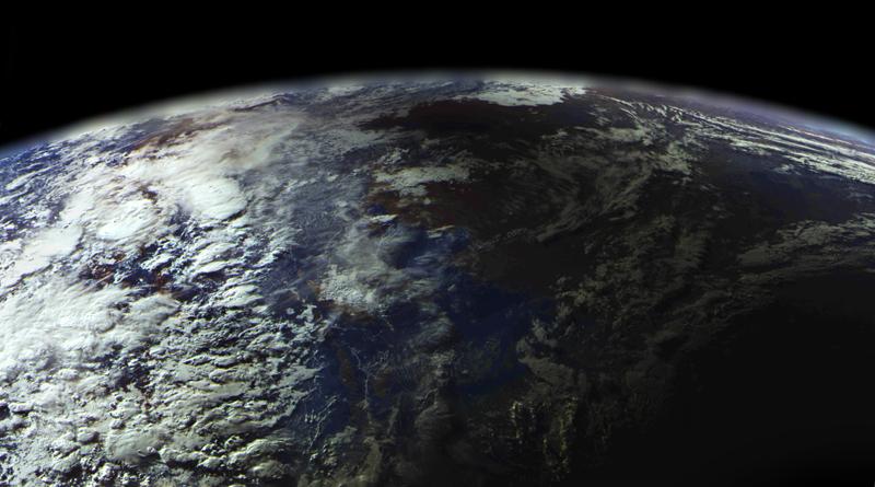 Внезапно: спутник Электро Л снял затмение по нашей просьбе