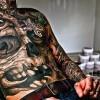 Я узнаю тебя по… татуировке