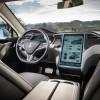 Хакеры взломали движущуюся Tesla Model S с 20 километров