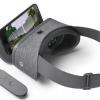 Гарнитура виртуальной реальности Google Daydream View комплектуется беспроводным контроллером