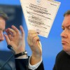 Медведев запустил дистанционную госрегистрацию ООО и ИП через «Сбербанк» и ВТБ