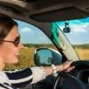 Автомобильный навигатор Garmin Speak Plus, поддерживающий Alexa, совмещен с видеорегистратором