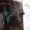 Разрабатываем простую модель глубокого обучения для прогнозирования цен акций с помощью TensorFlow
