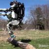 Робот Atlas научился бегать
