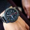 Умные часы Samsung Gear с Wear OS замечены на руках сотрудников Samsung