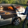Из старого «Форда» сделали печь для пиццы
