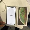 Фото дня: iPhone XS Max с бракованным дисплеем