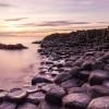Ученые разгадали загадку Дороги гигантов: как возникли многоугольные скалы