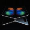 Немного от Huawei Mate X, немного от Motorola RAZR. Samsung делает сразу два новых смартфона, непохожих на Galaxy Fold