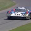 Легендарный Porsche 917 преодолевает трассу в Гудвуде: видео