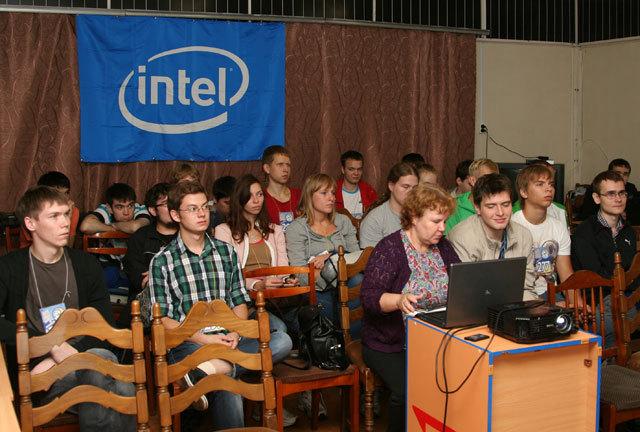 15 я Летняя Школа Intel приглашает студентов и аспирантов с пользой провести каникулы