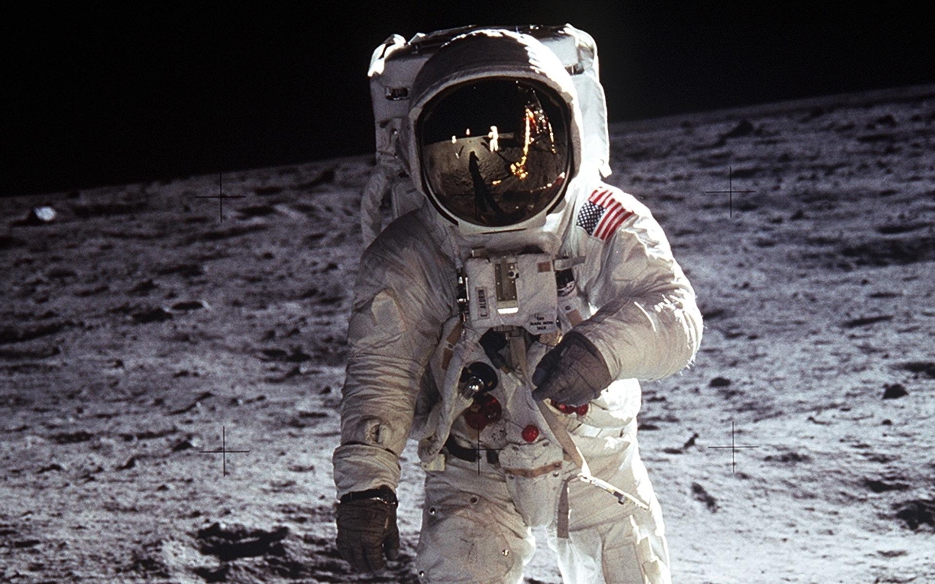 Высадке человека на Луну исполнилось 45 лет