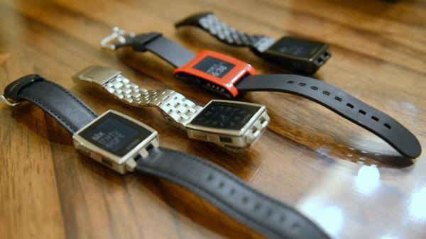 Pebble снижает стоимость часов